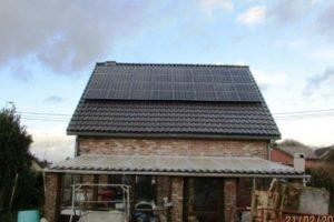 Placement de panneaux photovoltaïques à Blegny